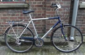 Touring dutch bike hybrid - 21 speed Shimano , MEDIUM light alloy frame - serviced - comfy ride
