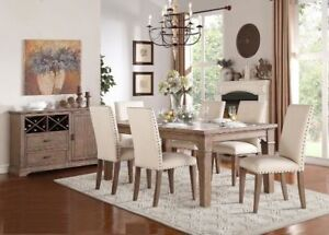 FABULOUS DINING TABLE WITH 6 UPHOLSTERED NAIL HEAD CHAIRS