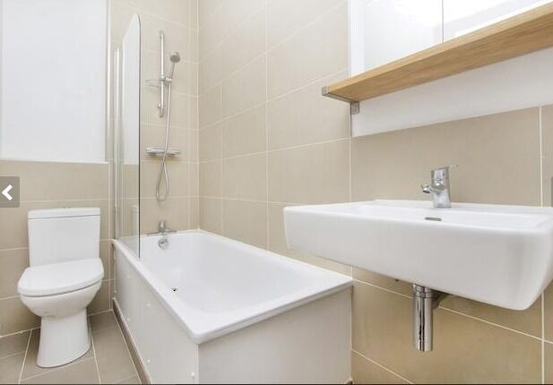 Large - 2 Bedroom Apartment - Borough