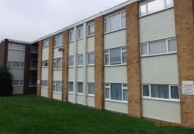 Spacious 2 bedroom first floor flat in Chalk - available mid July