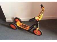 Kids Scooter - three wheels, Great condition