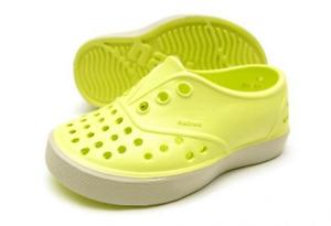 chaussures Native grandeur 7 (23-23.5)