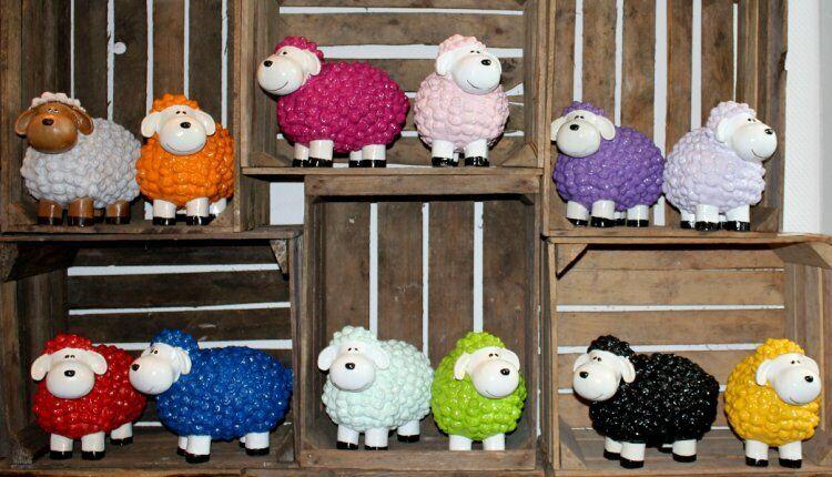 Dekofigur bunte lustige Schafe für Garten, Terasse, Eingang, Geschenk, Feier