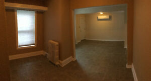 Bachelor apartment/Studio close to Uptown and Rockwood Park