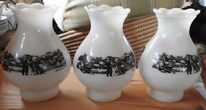 3 Abats Jours Currier and Ives. 3po dia X 7po H X 5po largeur