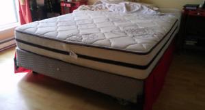 Matelas mattress Queen, excellente condition/ quittons le pays