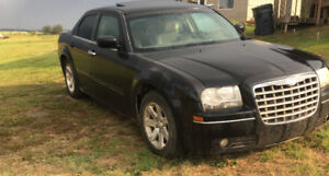 2005 Black Chrysler 300 150KM $4,000