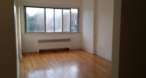 NDG 4 1/2 Apartment for rent  $820 monthly