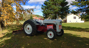 Tracteur Ford 1953