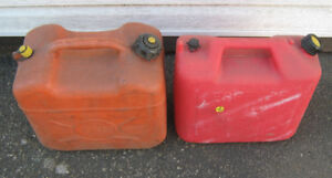 2 -  Gas cans ,  Jerry can ,  Fuel ,  Petrol ,  5 Gallon ,  20 L