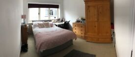 Light and airy room to rent near to Bournemouth University. Short term rental until end of August