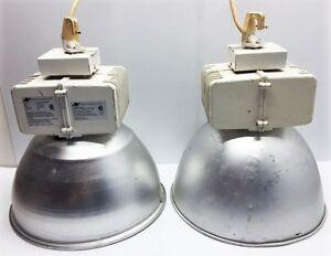 2 Lumières industriels suspendus 400W  à vendre