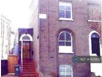 3 bedroom house in Cobourg Road, London, SE5 (3 bed)