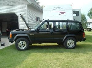 1992 Jeep Cherokee **parting out** pic for attention