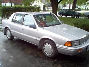 1992 Plymouth Acclaim grey Sedan