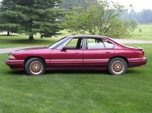 1993 Pontiac Bonneville car-- Give me your best offer!