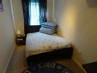 Double & Single Rooms in Clean & Quiet house just off the Hagley Rd **2 min walk to City Centre*
