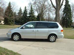 2003 Honda Odyssey 3.5 Minivan, Van mint condition