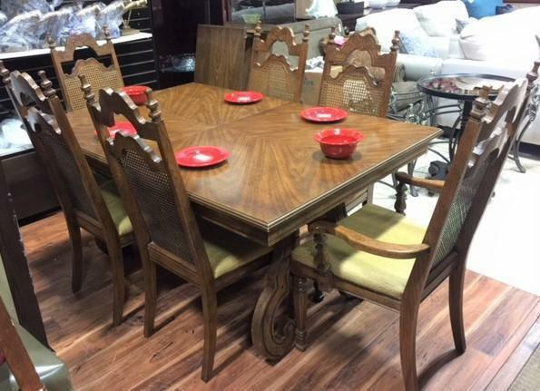 Dining Table Set Includes 6 Chairs And 2 Leaves Tables U0026 Sets Calgary Kijiji