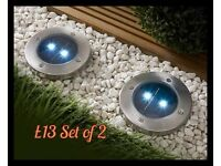 Set of 2 solar powered spotlights