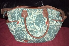 Mamas and papas special addition donna wilson changing bag in fox print