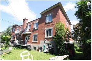 Huge upper condo in Montreal-West August or Later w/wo furnished