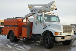 1995 IHC 4700 Altec Manlift truck