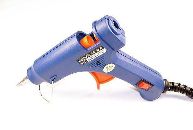 Pistola Per Colla a Caldo Incollatrice Termocollante Glue Gun 20w HL-E20 hsb