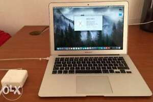 11 inch Macbook Air 2013 9/10 with brand new charger!