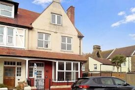 HOUSE TO LET (6 DOUBLE BEDROOMS) **FRESHLY DECORATED + NEW CARPETS**.