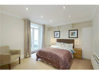 * Short Term * Two Double Bedroom One Bathroom Flat in Chelsea with Wifi, Ideal for a Family Chelsea Picture 5