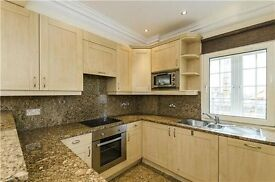 Modern 2 Bed Flat with private Balcony | Neutrally decorated | Closeby Big Ben