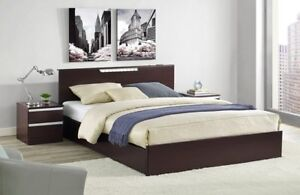 BED WITTH STORAGE ANDD LIGHT BRAND NEWW