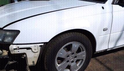 Holden Commodore VZ Guard HERON WHITE - Fits SS HSV VY