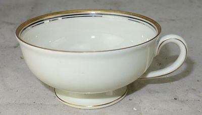 Langenthal Porzellan Elfenbein mit Goldrand 2  X Kaffeetasse oder Teetasse