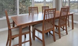 Kitchen Table and 6 Chairs for sale