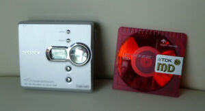 Sony MZ-NE410 High Speed Net MD Walkman Recorder W/Minidisc