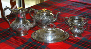 WALKER & HALL / JOHN ROUND SILVER PLATED TEA & COFFEE SET