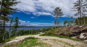 Terrain vue panoramique sur le Fjord