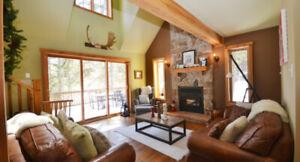 Chaleureux chalet près de Val-David et du ski, avec foyer