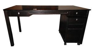 Bureau à 2 tiroirs + classeurs