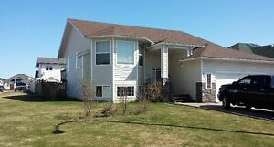 For Rent 5 BDRM House - Lakeview Estates, Cold Lake