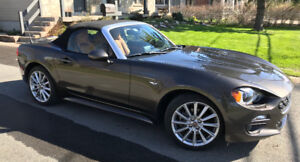 2017 Fiat Spider 2dr  Lusso