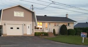 Grande maison zoner agricole Chesterville, a vendre