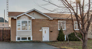 Big House for rent in Laval