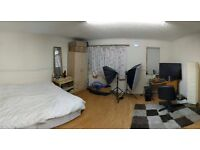 1 double and 1 single room to let