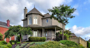 Cottage pensé/conçu par un architecte pour l'ensoleillement.