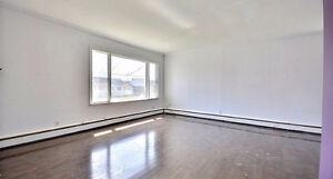 Downtown hull-2 bedroom 900sqft Less than 5 minutes from Ottawa