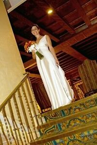 Grecian style wedding dress designed by Lowon Pope of Toronto