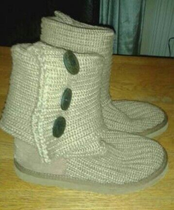 Genuine Knitted Ugg Boots Size 3 In Gainsborough Lincolnshire